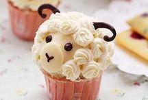 No way Cupcakes! / Mom never made cupcakes like this!  Looooooooove these! / by Monica Wilson