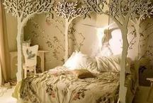 Bedrooms / by Gretchen Gautier-Gutierrez
