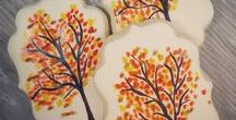 Thanksgiving & Fall Cookies / Cookies for the Thanksgiving holiday and Fall season.