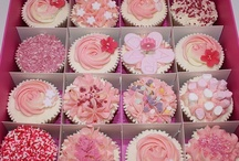 Cupcakes!! / by Rachelle Guadagnino-Dever