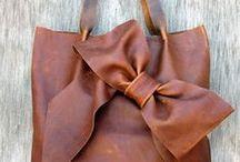 Bag & Purses / by Libby Uglesich