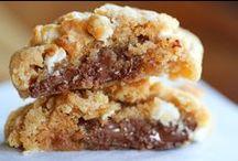 Food-Cookies / by Sara Shine