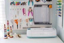 Craft Room Inspiration // Ideas / Craft room ideas and inspiration.