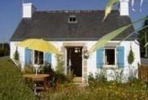 Gite Bretagne / Charmante et cocoon petite maison bretonne aménagée en gîte 1, 2, 3 personnes située entre les Monts d'Arrée et la mer. Le gîte est un bon point de départ pour découvrir le patrimoine riche de la Bretagne intérieure tout en étant à moins de 30 min de la Baie de Morlaix. La maisonnette vous accueille en toutes saisons à petit prix. Tel 0298782578 Consultez notre site internet http://www.gitesenbretagne.net