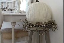 Fall Decor & Activities / by Jaynie Boothe