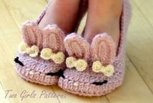 zapatitos al crochet / by Ly Ly