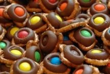 Food - Sweets & Treats / by Trish Whelan