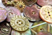 Buttons, Buttons, Buttons / Visit also : https://www.pinterest.com/HBlackthorne/buttons-buttons-buttons/