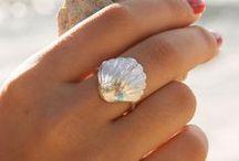 Jewelery - Vintage & Modern / >♥<>♥<>♥<>♥< >♥<>♥< >♥<>♥<>♥<>♥< >♥<>♥< Jewellery_Also visit : https://www.pinterest.com/HBlackthorne/jewelery-vintage-modern/                              >♥<>♥<>♥<>♥< >♥<>♥<>♥<>♥<>♥<>♥< >♥<>♥<>♥<>♥<>♥<>♥< >♥<>♥<