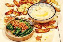"""Themengerichte / In unseren Kochboxen widmen wir jede Woche ein Gericht einem besonderem Thema. Von regionaler """"Slow Food"""" Küche bis exotischen Rezepten aus Indien, möchten wir euch wöchtenlich neue Inspirationen auf den Teller zaubern."""