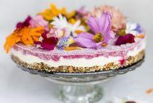 Flower Power / Blüten von Heilpflanzen, Kräutern und Salaten sehen nicht nur wunderschön aus, sondern sind auch essbar. Wir zeigen Euch, wie Ihr essbare Blüten in der Küche einsetzten könnt.