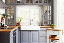 Kitchens / Kitchen decorating ideas. Beautiful kitchens. And country kitchens.
