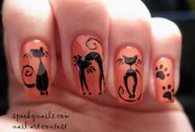 Halloween Nails! / by Katia Bautista Ricci