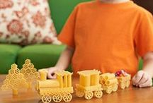 Birthday Party {Train Party Ideas} / All Aboard!   Trains and Railroad birthday party ideas, simple party food, games, and party supplies.  Your little conductor will love this party!  For more ideas http://blog.thecelebrationshoppe.com