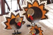 Holiday {Thanksgiving Kids Table} / Fun and creative food, craft and decorating ideas for the Kids Thanksgiving table.  For more ideas http://blog.thecelebrationshoppe.com