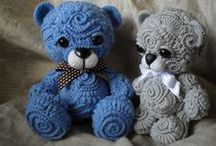 KNITWEAR: Children's Accessories and Toys
