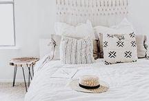 INTERIOR bedroom / Bedroom