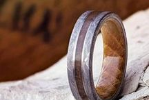 Whiskey Barrel Rings / Show off your love of the drink with an authentic Jack Daniels Whiskey Barrel wedding band. Pair the whiskey barrel oak with meteorite, deer antler, or turquoise for a truly unique piece. Whiskey lovers from all over the world have splurged on our whiskey barrel wedding bands, giving them a conversation piece that will last a lifetime.