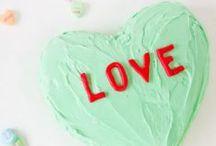 Holidays:Valentine's Day / DIY Valentine tablescapes,decor, food & crafts... hugs 'n kisses!