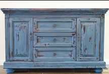 painting furniture / by Debbie Blache
