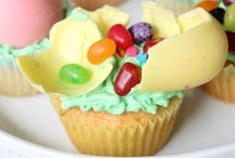 FOOD-Cupcakes / by Diandra Thompson