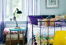 Decor Inspiration Blogs / Blogs with pretty pictures. Light, bright colors and floral prints against white backdrops. Pastels and brights together. Kitschy and colorful. Retro and vintage. These blogs and various styles all inspire me for my own home decor.