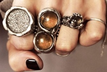 Jewlery / All of my desired jewels, from earrings to rings / by Arden Grace