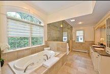 Beautiful bathrooms! / bathrooms