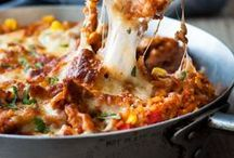 One-Pot, Skillet & Sheet Pan Recipes / Why make a mess out of the kitchen? Here are some recipes for one-pot, skillet and sheet pan dinner inspiration!