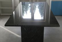 Esstisch / Esstisch aus Granit