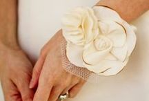 Corsages & Brooches / by Etsy Bridal