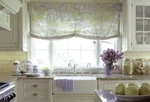 Kitchens and Dining Rooms / by Karen Klein