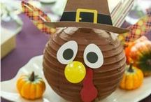 Thanksgiving Kids Table / by Cupcake Wishes & Birthday Dreams