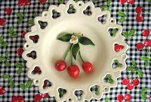 Cheerful Cherry & Strawberry / Vintage Cherry Strawberry