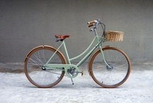 Bicycles / bicycles, bike accessories and all the pretty things that go with it. / by Ana Reinert