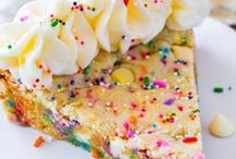 Sweet / Im definitely more sweet than savory and will find any excuse to bake!  / by Paula Bahler