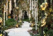 GRAND ENTRYWAYS / Ideas to create beautiful and stunning entrances and exits at weddings and events