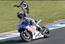 """Motociclismo / """"Sei talmente lento che i moscerini ti tamponano"""" [Marco Luchinelli]. Tutti i nostri articoli sul motociclismo sono su: http://www.bloglive.it/sport/motociclismo"""