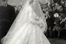 The wedding dress History