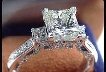 Verragio / Find Verragio at our Medawar Jewelers of West Lansing, Okemos, Jackson, Portage & Brighton locations.