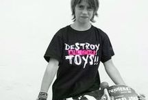 Leviathan© Co. Kids T Shirts / Kids T Shirts by Leviathan© Co. Camisetas niño rock&roll, rockabilly, motorcycle, music bands