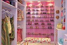 Buanderie / Laundry / cellar / dressing / Des inspirations pour des buanderies bien organisées, des dressings dignes de Carrie Bradshow,
