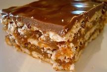 Yummy! {Desserts} / by dahlyn marie