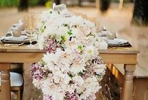 Wedding Flowers / Discover our favorite ideas for wedding bouquets, wedding centerpieces, and wedding florals.