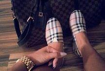 BURBERRY for her / Luxury Fashion. Moda de lujo. www.themintcompany.com