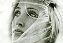 Unforgetable Carolyn Bessette Kennedy -CBK / She´s the perfect example of timeless beauty and style. A style inspiration, still.