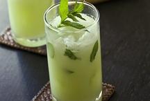 Drinks / by Sheila Cruz-Green