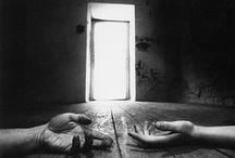 Fotografie - Handen / Mooie, onroerende en sprekende foto's van handen.