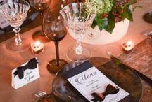 Art de table déco fêtes & mariage / Chemin de table, set de table, nappe intissé, vaisselle jetable : assiette en carton, gobelet carton, serviette en papier pour mariage et fête pour de belle déco de table festive. http://www.baiskadreams.com/