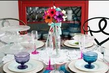 Colourful Table / Basic whiteware can take on a whole new look when paired with an exciting POP of colour. Here are some of our favorite table settings with colour!